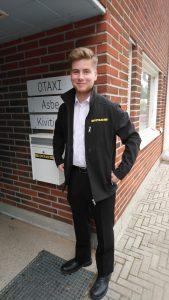 Onni Stenholm OTAXIn toimiston edessä
